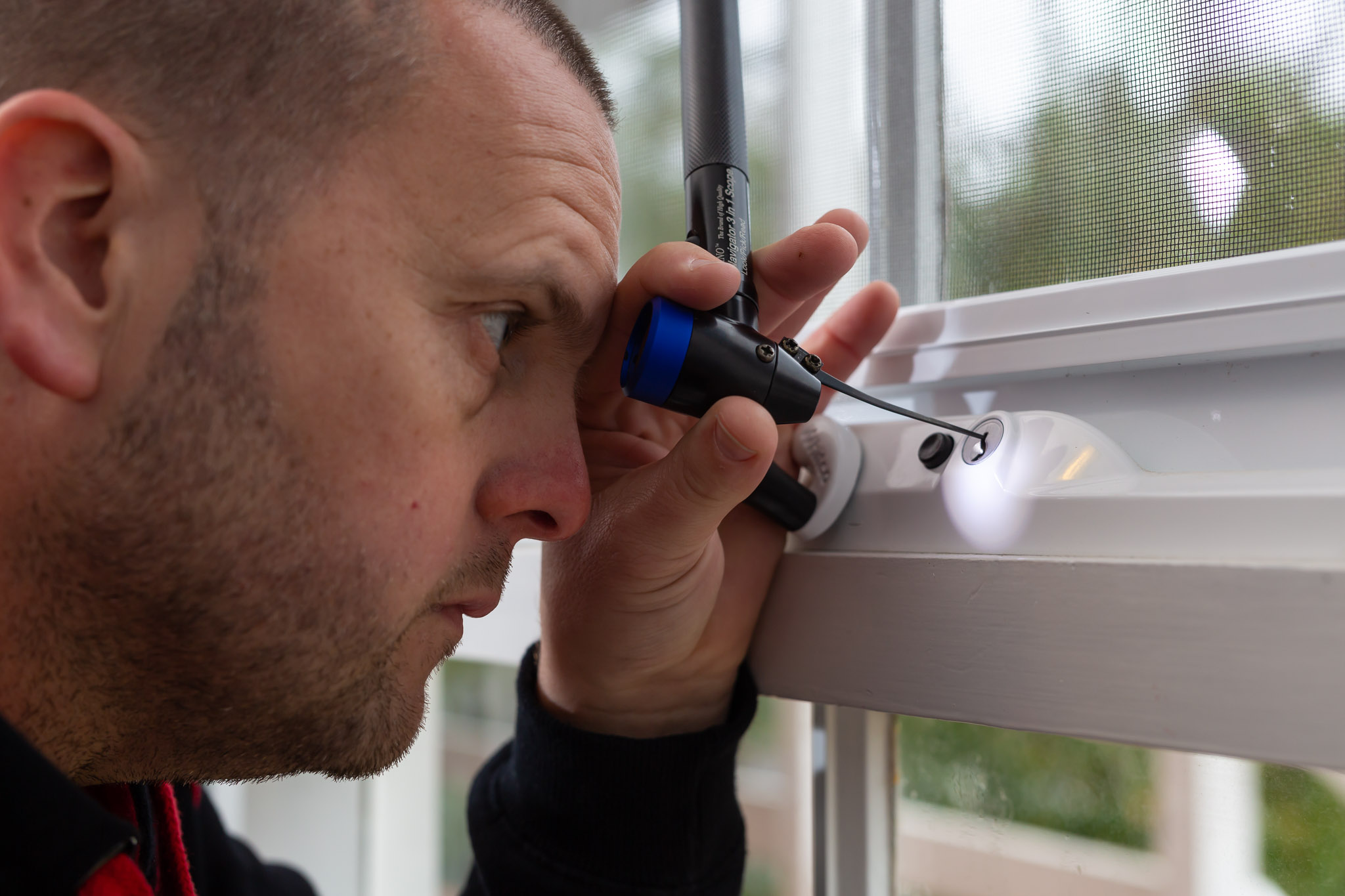 locksmith window lock